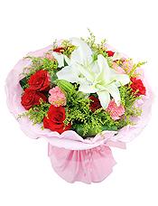 9支红玫瑰,9支粉康,1支白色多头百合,黄英草间插