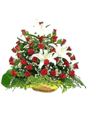 50枝红玫瑰,4枝白百合,蕾丝,绿叶