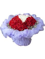 50枝红玫瑰,16枝白玫瑰,满天星
