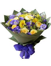 6枝黄玫瑰,16枝紫色桔梗,6枝黄扶朗,黄英