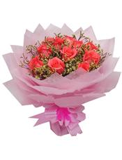 11支粉玫瑰,水晶草丰满