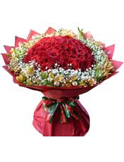 66枝红玫瑰,满天星,水仙百合围绕