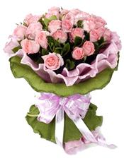 33枝粉玫瑰,栀子叶丰满。