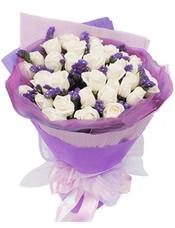 33枝白玫瑰,搭配紫色勿忘我