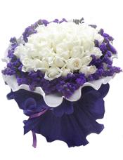 29支白玫瑰,紫色勿忘我围绕