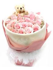 19枝戴安娜玫瑰,一只小熊