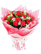 红色康乃馨18枝,小水仙百合(或满天星等配材代替),栀子叶适量
