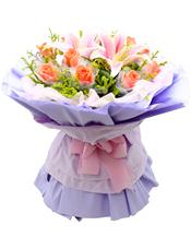 11枝粉玫瑰单独包装,2朵粉百合,黄英丰满。