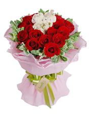 19枝红玫瑰,高山积雪丰满,毛绒小熊熊(10公分)一对(仅保证款式相似)。