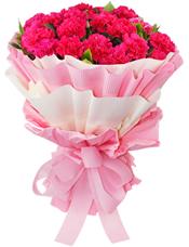 33枝康乃馨(根据各地货源使用桃红色或者红色康乃馨),绿叶间插。