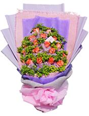 19支粉玫瑰,叶上黄金间插