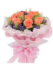 11枝粉玫瑰,黄莺丰满搭配,点缀紫色勿忘我