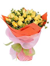 33枝黄玫瑰,叶上黄金间插