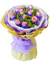 11枝粉玫瑰独立包装,黄英间插丰满。