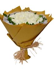 33枝白玫瑰,栀子叶围边