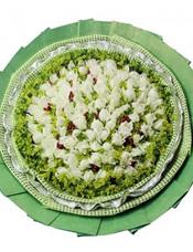 99枝白玫瑰,黄英、火龙珠丰满。