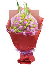 19朵紫玫瑰精美独立包装,叶上黄金丰满,剑叶相衬(紫色玫瑰需要提前预定)