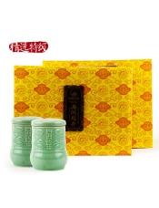 品牌商家:顶峰产 地:浙江杭州产品规格:250g/盒等 级:特级精选保 质 期: 18个月存储方法:存放于清洁、通风、避光、干燥、无异味环境。