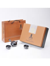 品牌商家:国尊陶瓷产 地:福建 德化产品规格:茶壶1个+茶杯6个 毛 重: 1.280千克
