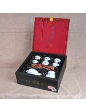 品牌商家:其他产 地:江西 景德镇产品规格:6个茶杯,1个茶壶,1个茶海毛 重: 1.700千克