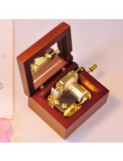 手摇花梨木质音乐盒