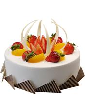 圆形鲜奶水果蛋糕,时令水果装饰,巧克力片围边