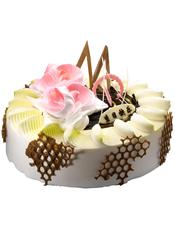 圆形鲜奶蛋糕,巧克力片、奶油花装饰