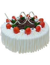圆形鲜奶水果蛋糕,白色奶油流苏,巧克力屑、时令水果装饰