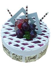 圆形乳酪蛋糕,蓝莓果酱,蓝莓巧克力插片装饰,巧克力片围边