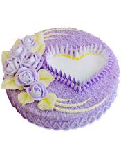 圆形鲜奶蛋糕,淡紫色玫瑰花装饰,紫色奶油围边
