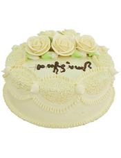 圆形鲜奶蛋糕,黄色鲜奶围边,同色系鲜奶玫瑰花装饰