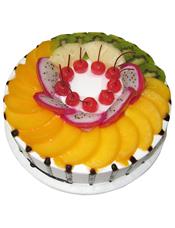 圆形水果蛋糕,上铺一层时令水果丰满