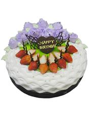 圆形鲜奶水果蛋糕,时令水果装饰,紫色鲜奶玫瑰花