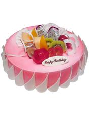 圆形鲜奶水果蛋糕,时令水果装饰,巧克力插片围边