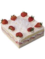方形鲜奶水果蛋糕,时令水果装饰