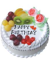 圆形水果蛋糕,时令水果装饰,两朵奶油玫瑰花
