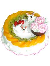 圆形水果蛋糕,时令水果装饰,一只奶油小动物,三朵奶油花点缀