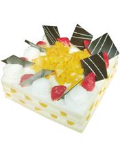 方形鲜奶水果蛋糕,水果,巧克力插片
