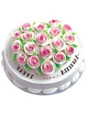 圆形鲜奶蛋糕,上面奶油玫瑰花装饰