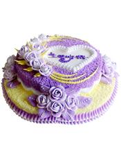 双层鲜奶蛋糕,紫色奶油花装饰