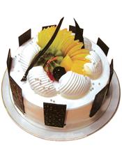 圆形鲜奶水果蛋糕,时令水果,巧克力插片围圈