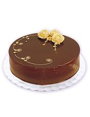 圆形巧克力蛋糕,奶油玫瑰花装饰
