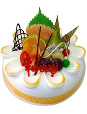 圆形鲜奶水果蛋糕,时令水果装饰。