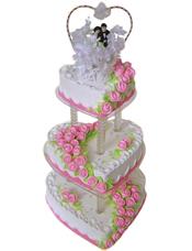 三层心形鲜奶蛋糕,粉色鲜奶玫瑰花装饰