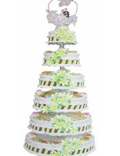 六层鲜奶水果蛋糕,鲜奶百合花装饰,时令水果。