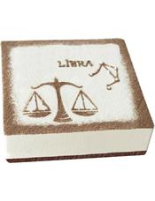 Libra天秤座专属,方形提拉米苏蛋糕,底层提拉米苏,表层巧克力口味(本产品仅限北京、上海、广州、深圳、青岛市区配送,购买前请咨询客服)