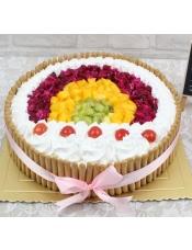 圆形水果蛋糕,新鲜水果装饰,拇指饼干围边