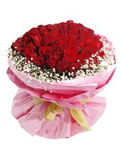 红玫瑰99枝,满天星四周环绕