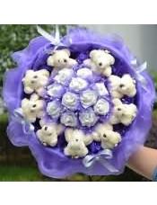 9只小泰迪加11朵仿真白玫瑰花加紫纱卡通花束