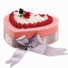 蛋糕图片:心心相吸